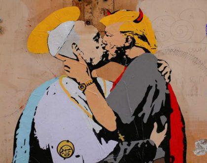 NOTICIAS [ Trump y el Papa, besándose en un mural a dos cuadras del Vaticano ]